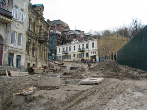 развалины на Андреевском спуске