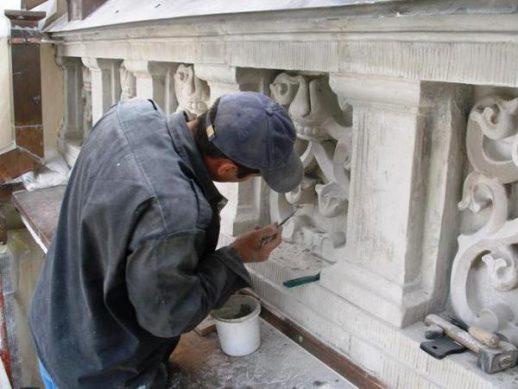 Что представляет собой реставрация памятников?